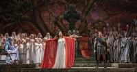 La magie blanche de Norma sur la scène du Teatro Colón