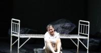 Georg Nigl, confondant Jakob Lenz au Festival d'Aix-en-Provence
