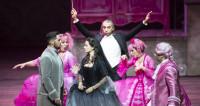 La Cenerentola voit la vie en (très) rose au Grand Théâtre de Genève