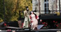 Madame Butterfly en Plein Air émeut les cerisiers du parc de Sceaux