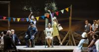 L'Élixir d'amour à l'Opéra de Paris : l'équilibre et le flacon sans l'ivresse