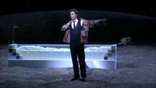 Dmitry Korchak dans l'Elixir d'amour à l'Opéra national des Pays-Bas