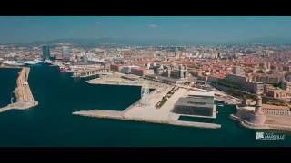 Marseille confinée : Promenade spectaculaire en altitude et en musique