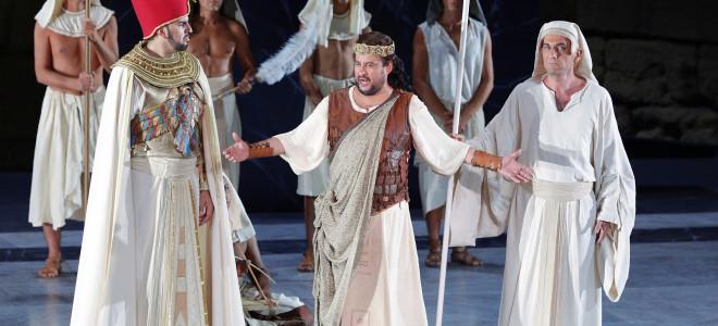 Aida aux Chorégies ou le Nil au musée
