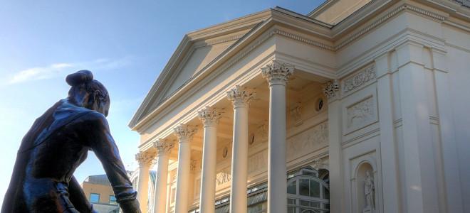 Royal Opera House de Londres : 10£ au lieu de 230£ la place au parterre ? Oui, mais par terre