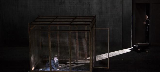 Le Prisonnier et L'Enceinte à La Monnaie : au-dessus d'un nid de coucou, les aigles rôdent