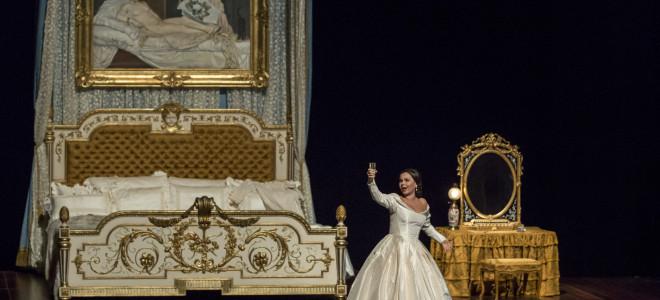 Aleksandra Kurzak s'épanouit en Traviata à Bastille