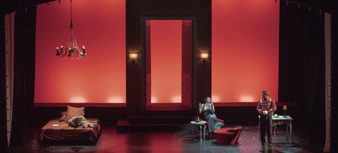 De l'opéra de chambre au lit de la duchesse : Powder Her Face