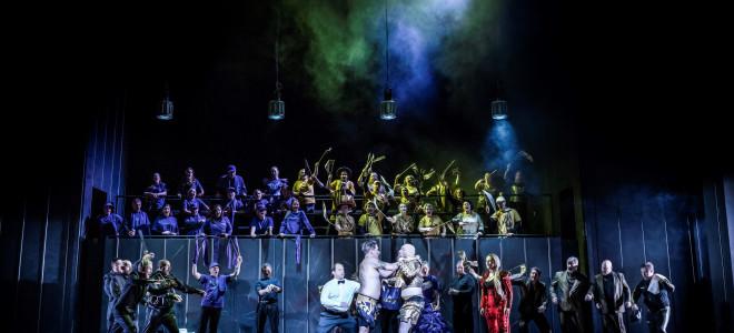 Carmen à Stockholm : la masculinité mise en boîte