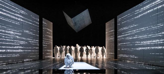 L'interprétation des rêves en noir et blanc: la création suédoise du Roi Roger