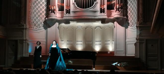 La diva Hibla Gerzmava à la Salle Gaveau de Paris