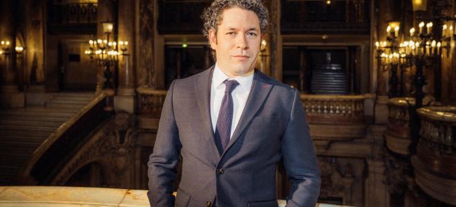 Gustavo Dudamel acclamé dès son concert inaugural à l'Opéra de Paris
