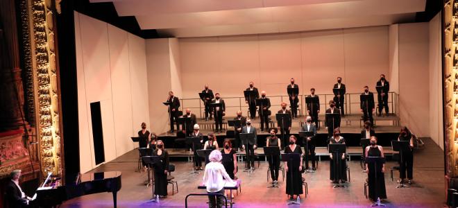 Le Chœur de l'Opéra de Tours fête le retour avec légèreté et gaieté