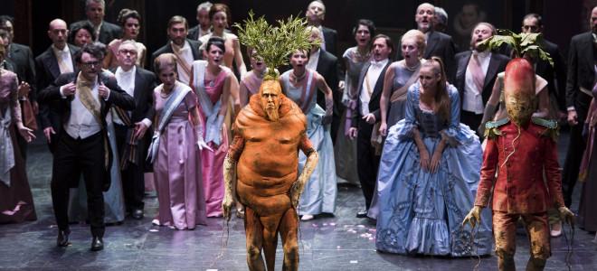 Le Roi Carotte trône sur le plateau des Fêtes à l'Opéra de Lyon