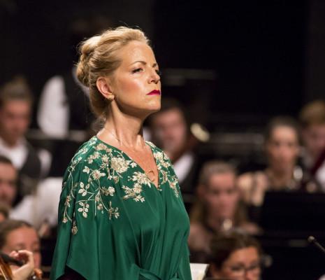 Lise Lindstrom chante Elektra