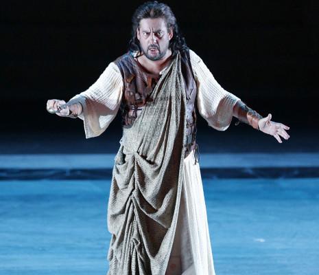 Marcelo Alvarez dans Aida par Paul-Émile Fourny