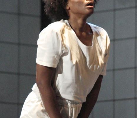 Adina Aaron dans Le dernier jour d'un condamné à Marseille