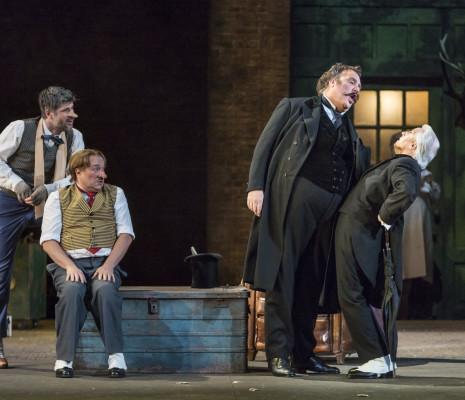 Thomas Dear (Pistola), Rodolphe Briand (Bardolfo), Bryn Terfel (Sir John Falstaff) et Graham Clark (Dottore Cajus) - Falstaff par Dominique Pitoiset
