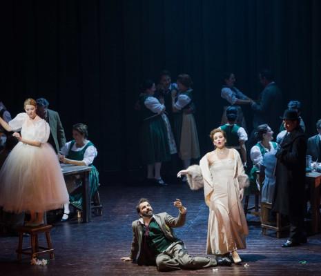 Les Contes d'Hoffmann par Nicola Berloffa