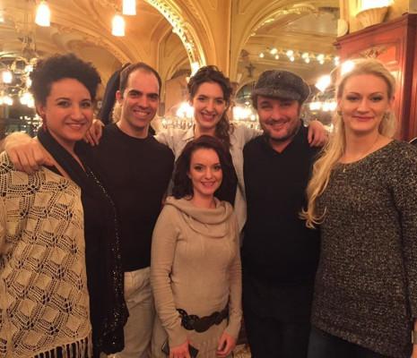 Yamna Elyasmino, Rani Calderon, Vanessa Fouillet, Anne-Lise Polchlopek, Ludovic Tézier & Katharina Schwesinger