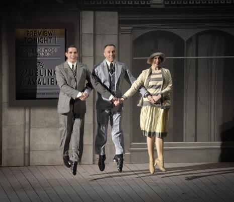Dan Burton, Daniel Crossley et Monique Young - Singin' in the Rain par Robert Carsen