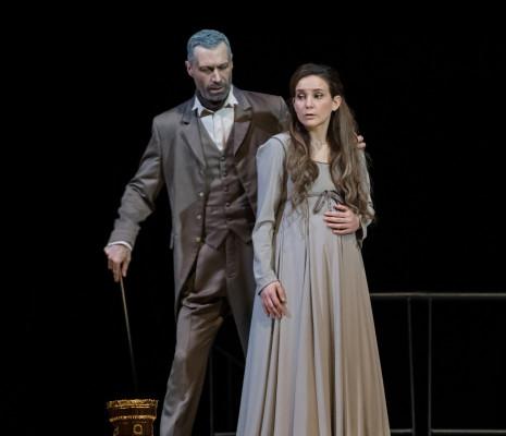 Chiara Skerath et Jérôme Varnier dans Pelléas et Mélisande