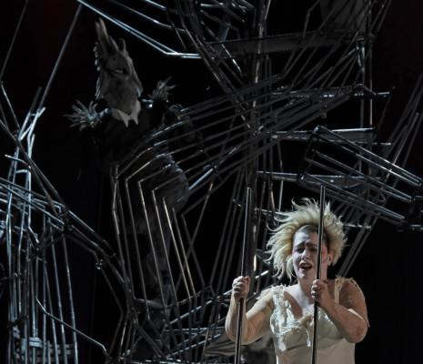 Emmanuelle de Negri dans Rinaldo