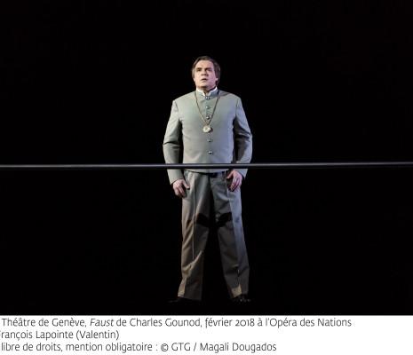 Jean-François Lapointe (Valentin) - Faust par Georges Lavaudant