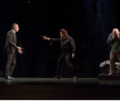 Christian Hübner (Rocco), Anton Keremidtchiev (Don Pizzaro), Claudia Iten (Léonore) et Donald Litaker (Florestan) - Fidelio par Philippe Miesch