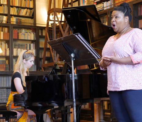 Marie-Laure Garnier et Celia Oneto-Bensaid