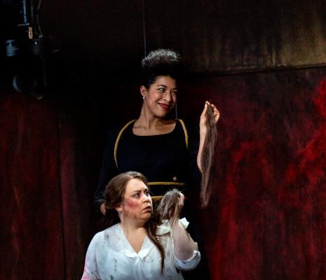 Mary Elizabeth Williams & Victoria Yarovaya - Nabucco par Marie-Eve Signeyrole