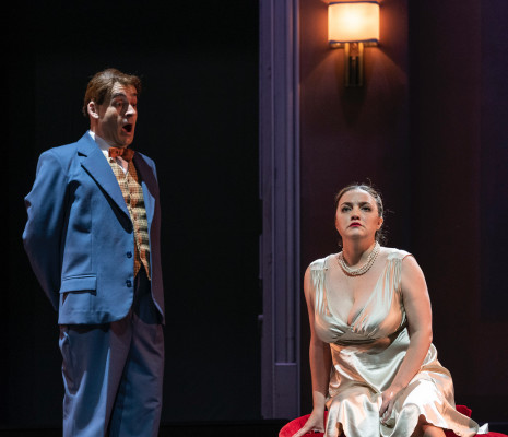 Hernán Iturralde & Daniela Tabernig - Powder Her Face par Marcelo Lombardero