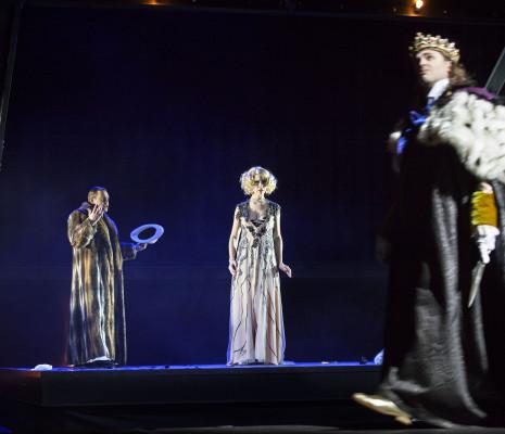 Sam Furness, Theresa Kronthaler & Simon Neal - Cardillac par Guy Joosten