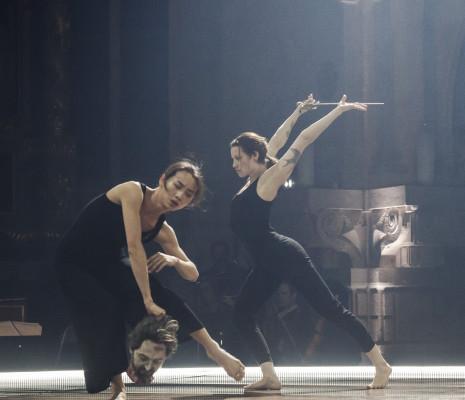 Xiao Yi Liu & Elise Bjerkelund Reine - Louées soient-elles par David Bobée