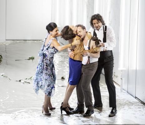 Natascha Petrinsky, Rachel Harnisch, Peter Tantsits & David Alegret - Les Bienveillantes par Calixto Bieito