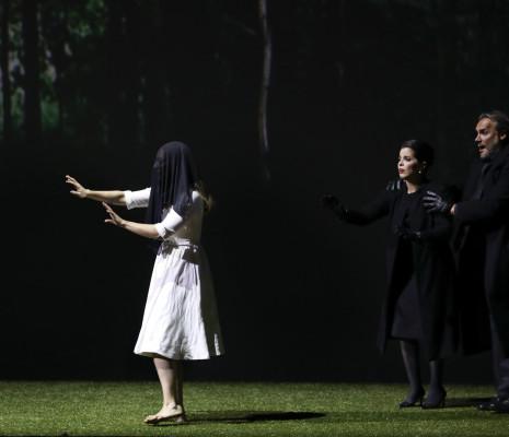 Vannina Santoni, Jodie Devos et Nicolas Testé - La Flûte enchantée par Robert Carsen