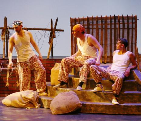 Grégory Dupin, Grégory Benchenafi & Florian Cléret - Irma la Douce par Jacques Duparc