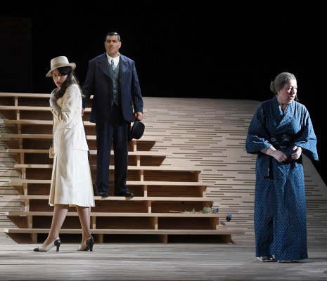 Julie Prola, Dario Solari & Cornelia Oncioiu - Madame Butterfly par Emmanuelle Bastet