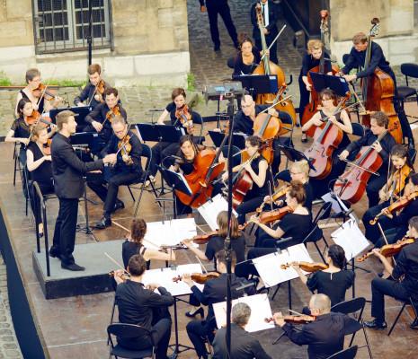 Duncan Ward et l'Orchestre de chambre de Paris aux Gobelins