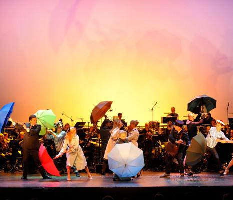 Les Parapluies de Cherbourg au Théâtre du Châtelet