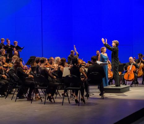 Orchestre national d'Auvergne Chœur Exosphère, Roberto Forés Veses