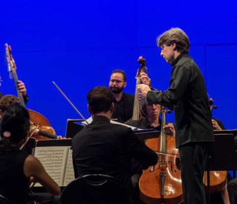 Orchestre national d'Auvergne, Roberto Forés Veses