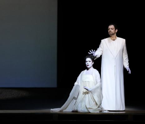 Ana María Martínez & Giorgio Berrugi - Madame Butterfly par Robert Wilson