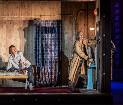 Mary Bevan & Alan Oke - Orphée aux Enfers par Emma Rice