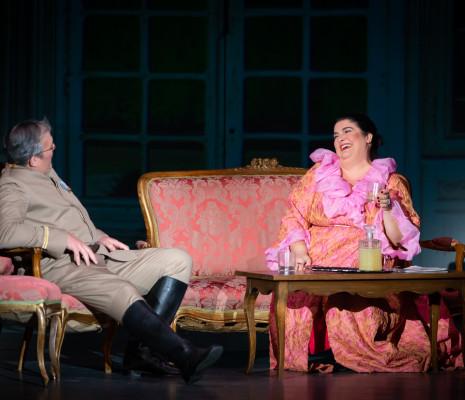 Julie Pasturaud et Marc Labonnette dans La Fille du régiment