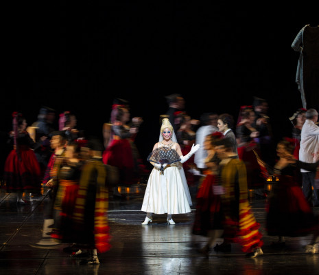 Jodie Devos - Les Contes d'Hoffmann par Robert Carsen