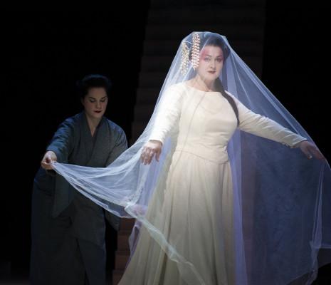 Desirée Baraula & Elisabeth Teige - Madame Butterfly par Stephen Langridge