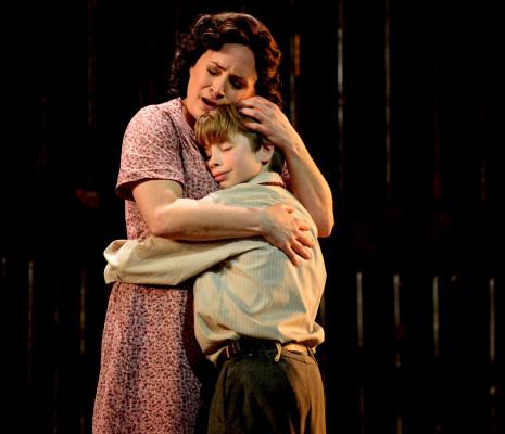 Patricia Racette & Joseph Sonne - Street Scene par John Fulljames