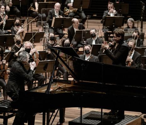 Pierre-Laurent Aimard, Klaus Mäkelä et l'Orchestre de Paris