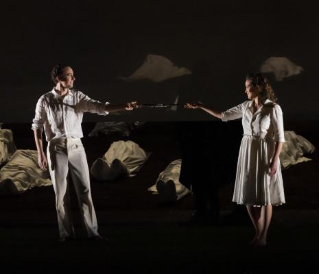 Cyrille Dubois & Julie Fuchs - La Flûte enchantée par Robert Carsen